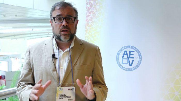 El doctor Fernando Alfageme (Majadahonda) explica en Toledo el cuidado de la piel en pacientes con cáncer