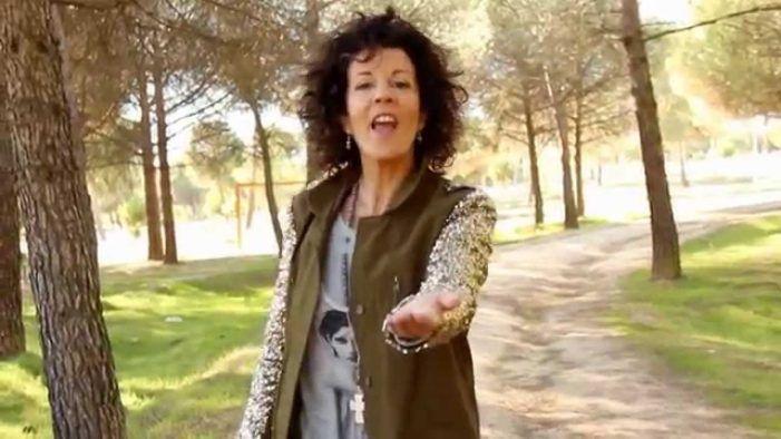 """La cantante de Majadahonda Maite Zuazola """"Matina"""" triunfa en el """"Encuentro de Laicos"""" de Córdoba"""