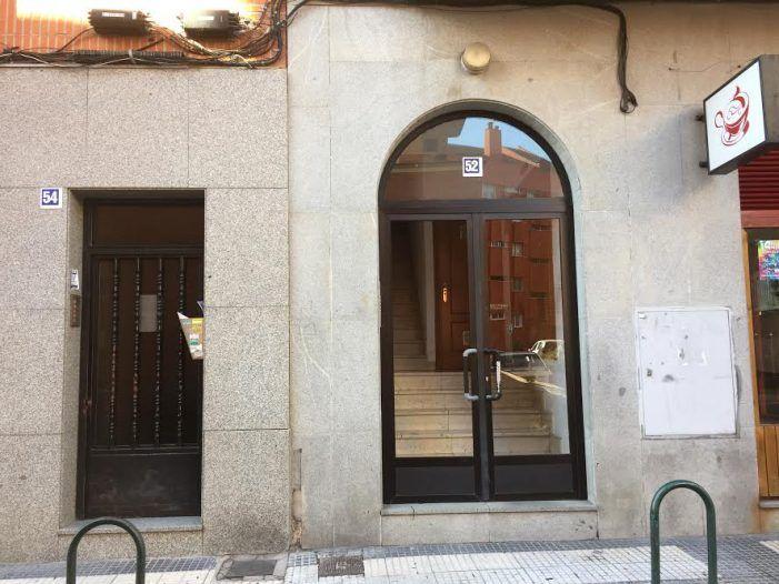 16 años de cárcel y 82.000 € al boliviano de Majadahonda que apuñaló 7 veces a su pareja delante de su hija de 8 años