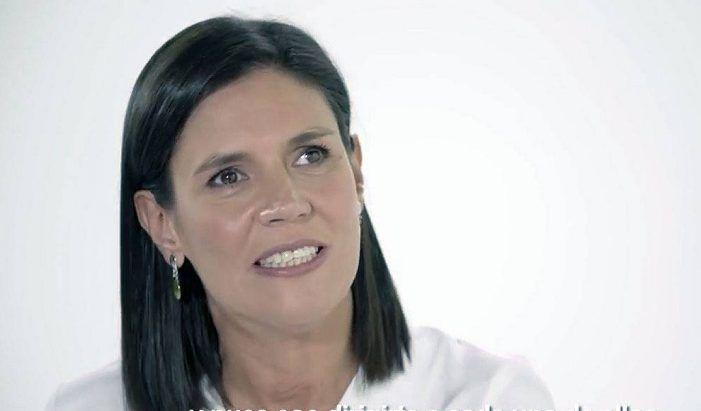 """La abogada ciega del Congreso Clara Garrido reivindica el """"nacionalismo español"""" ante PP Majadahonda"""