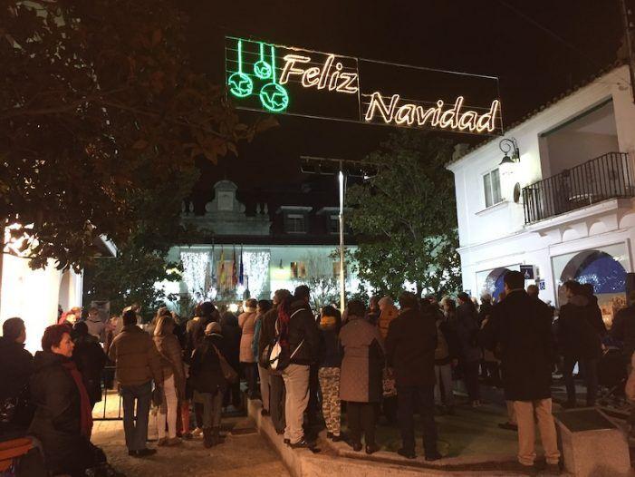 Belén, villancicos y chocolate con churros animan la inauguración de la Navidad en Majadahonda
