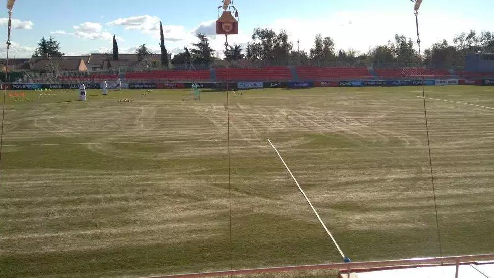 """El partido Rayo Majadahonda-Ponferradina en el Cerro del Espino """"pone en riesgo físico a los jugadores"""""""