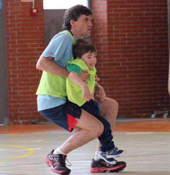 Saúl Varela rompe barreras y debuta en el campeonato de fútbol escolar