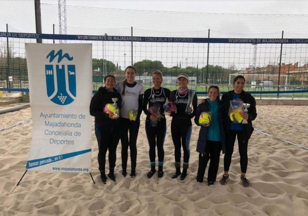 Voley Playa de Invierno: CV Majadahonda gana el Torneo de Reyes de La Sacedilla a 3 grados