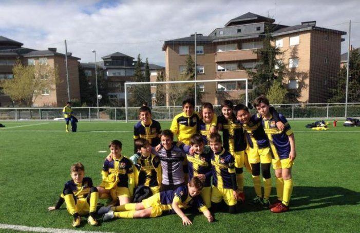 Fútbol base: la afición se vuelca con el Puerta de Madrid (Majadahonda) y se convierte en jugador nº 12