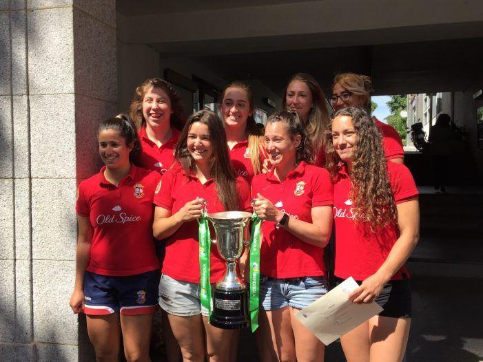 Rugby: las campeonas del CR Majadahonda obtienen el reconocimiento institucional y un campo de hierba artificial