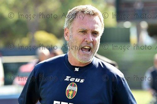 El entrenador italiano Sandro Pochesci negocia con el Rayo Majadahonda