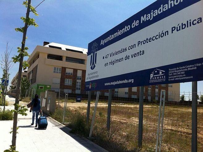Protagonistas Política Majadahonda: vivienda pública (PSOE), amianto (Somos) y mesa informativa (Vox)