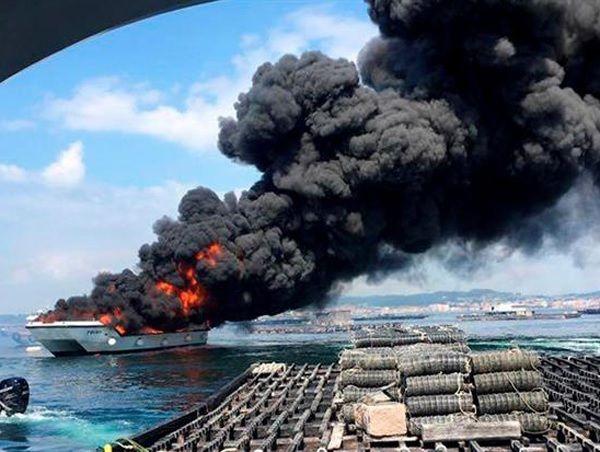 Una familia de Majadahonda a punto de morir quemada en el incendio del barco en Galicia