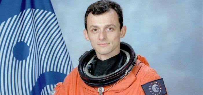 El astronauta y ministro Pedro Duque avista un OVNI y una profesora de Majadahonda lo refrenda