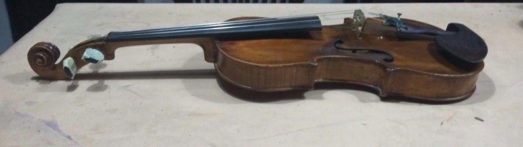 Roban en Majadahonda un violín artístico francés de 1.837: las fotos del instrumento