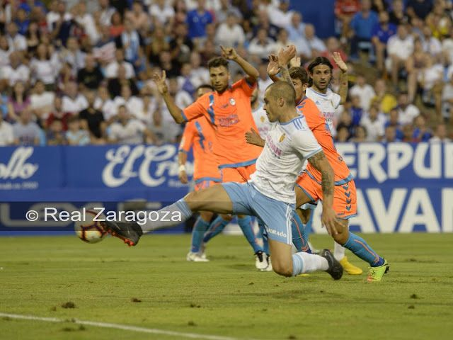 Rayo Majadahonda derrocha esfuerzo en Zaragoza (2-1) pero el club ahorra en hotel