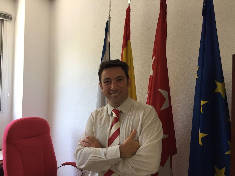 """Alonso, concejal Majadahonda (y III): """"Hay pleno empleo pero la población necesita que le echen una mano"""""""