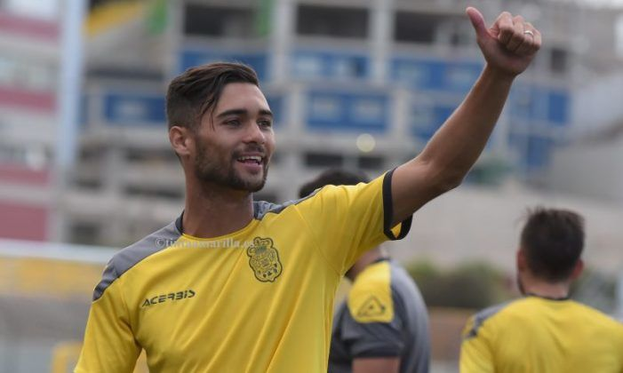 Fútbol Rayo Majadahonda (Fichajes): Benito (Las Palmas), Lacen (Argelia), Theo (Real Sociedad)