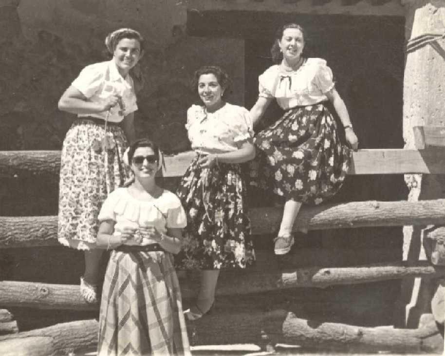 """""""De jovencitas a ancianas, las mujeres majariegas trabajaban rudamente"""" (Majadahonda siglo XX)"""