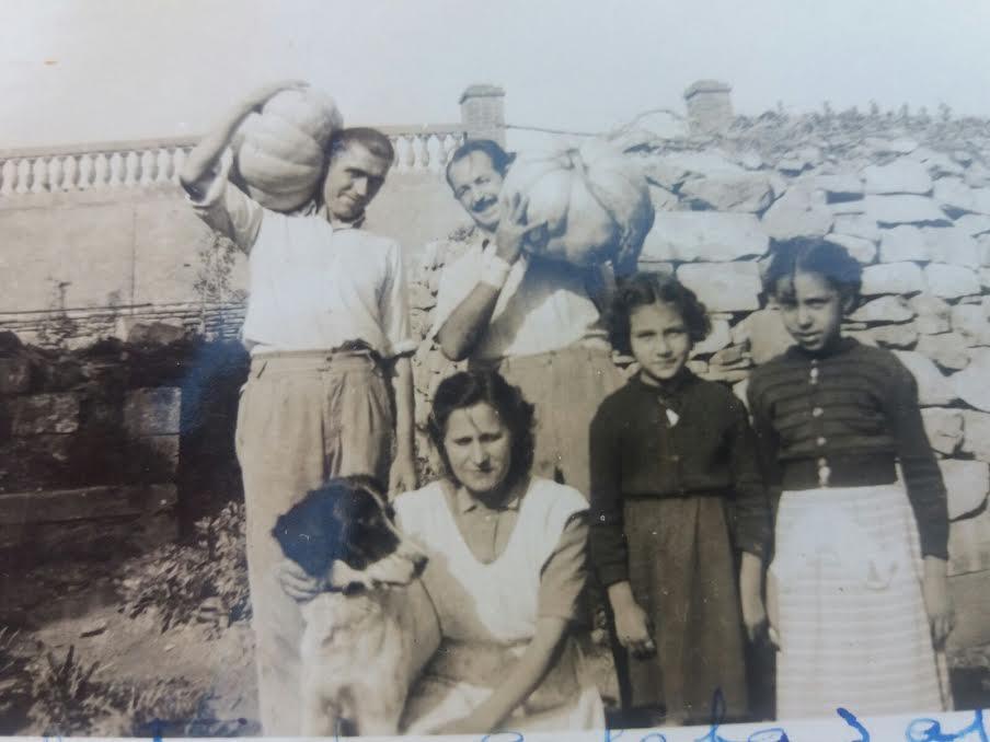 """""""Chavalas"""" de Majadahonda año 1923: toreando en Romanillos y la fusión del hombre y la ropa"""