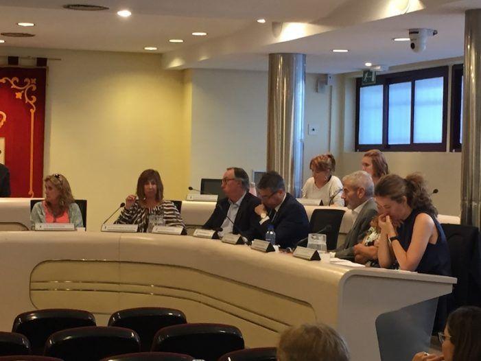 El pleno del Ayuntamiento de Majadahonda aprueba una subida de sueldo del 1,75% para funcionarios y concejales