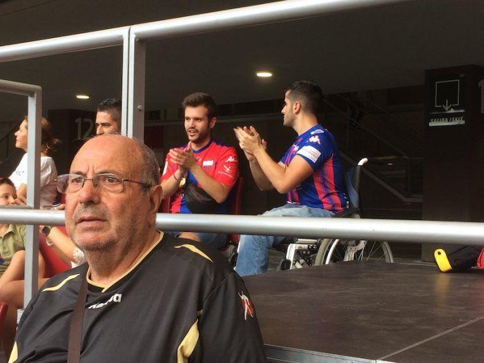 """La """"extrema y dura"""" derrota del Rayo Majadahonda deja 15 titulares sobre el equipo y 100 fotografías de la afición"""