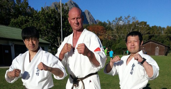 La estrella mundial del karate y del cine Hennie Bosman visita Majadahonda para participar en una exhibición
