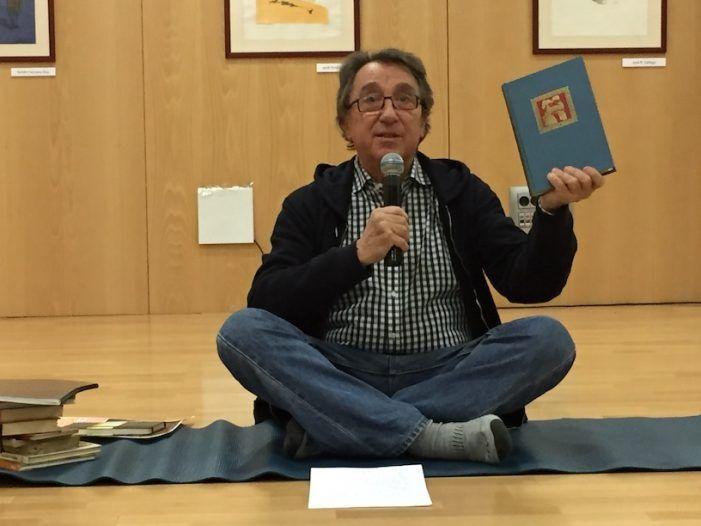 """Novell (Majadahonda) enseñó a Juan Carlos I """"El Ratoncito Pérez y el diente del rey"""": """"nació en Arenal 8"""""""