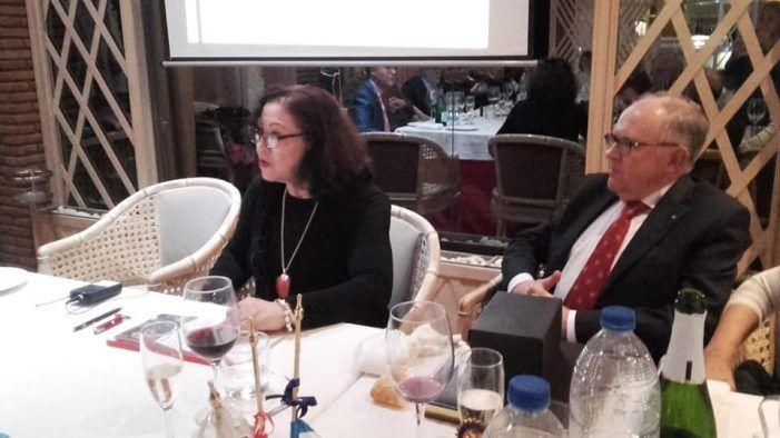 La pintora ecuatoriana Ruth Cecilia desvela en Majadahonda los secretos y leyendas de los Incas
