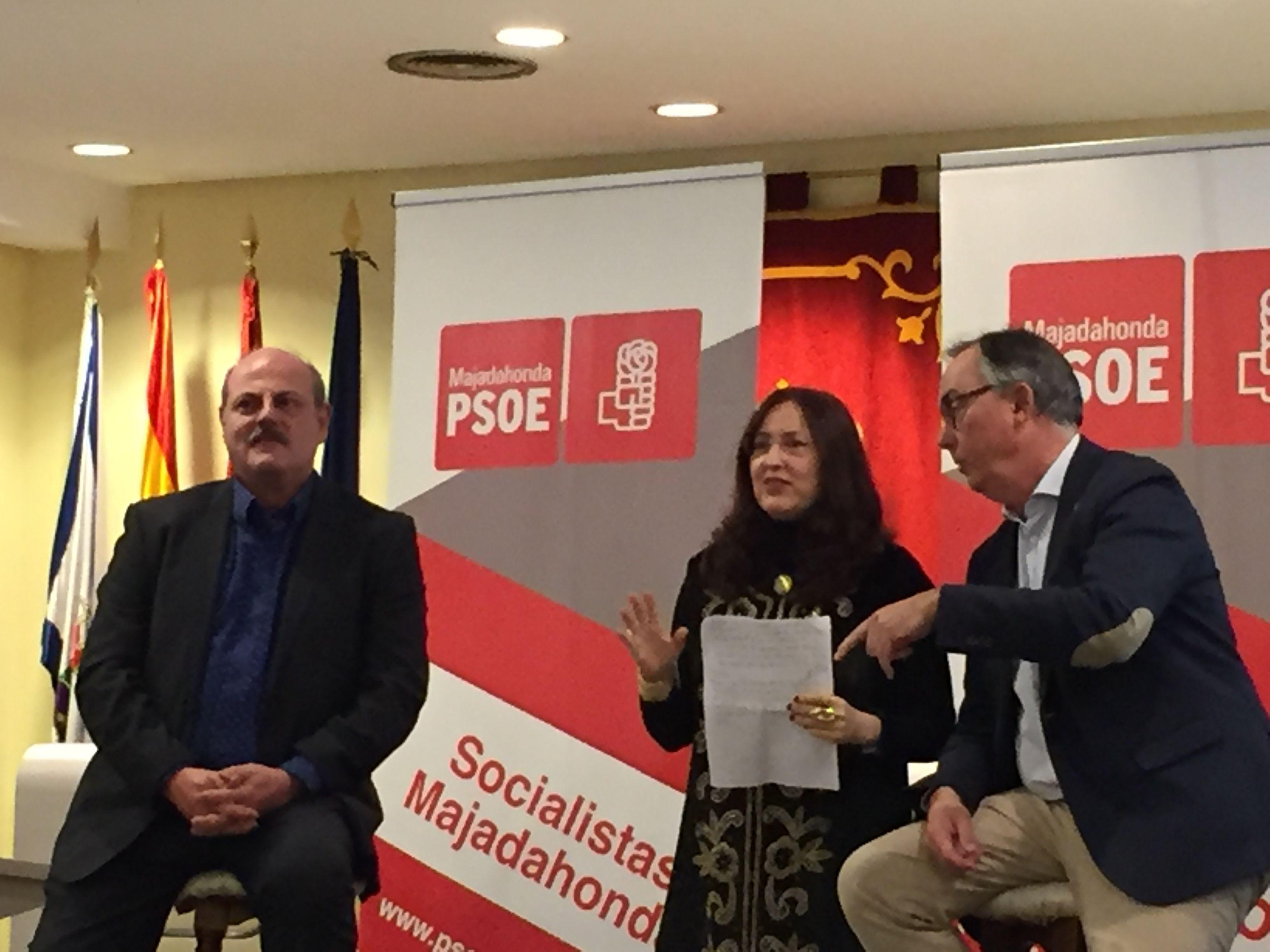"""Zacarías """"hace pleno"""" y llena su presentación a las primarias del PSOE Majadahonda"""