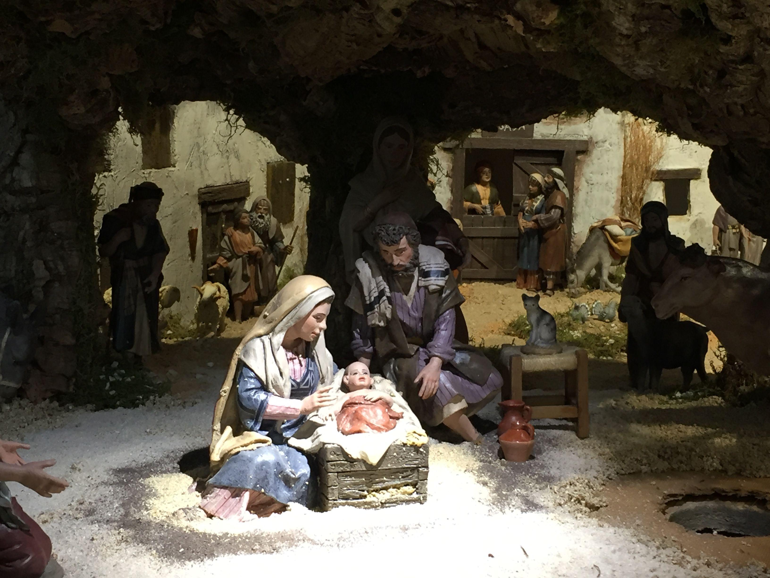 El prestigioso Belén de la parroquia Santa Catalina (Majadahonda) ultima sus detalles para su puesta en escena