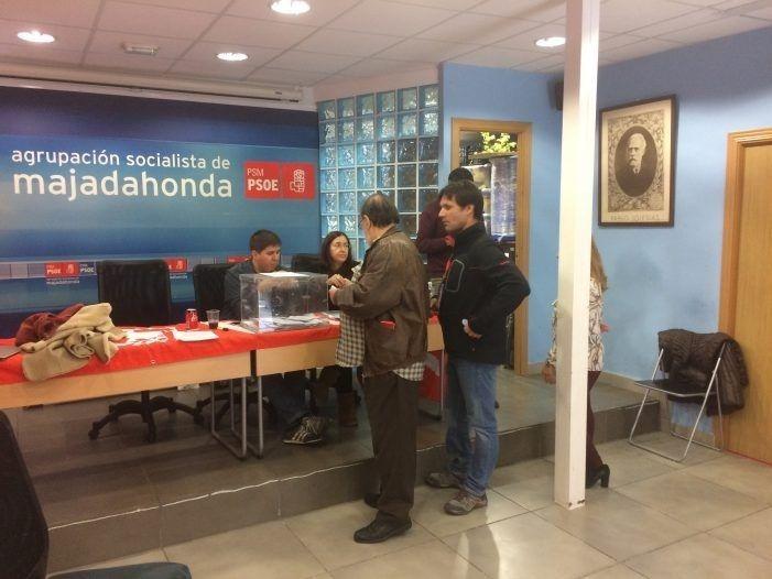 """El """"equipo de primarias"""" de Zacarías en Majadahonda renuncia a los """"recursos judiciales y a darse de baja"""" en el PSOE"""