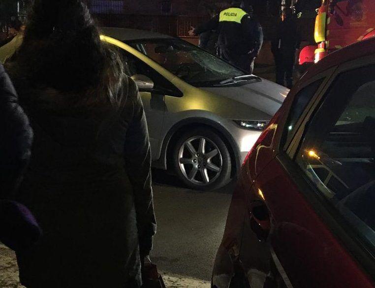 Nuevo atropello en un paso de cebra de Majadahonda: una mujer grave tras impactar y romper el cristal del coche