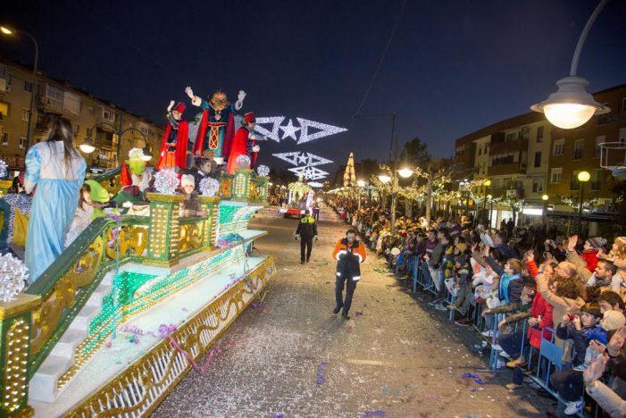 """La Cabalgata de Reyes recorre otras """"Majadahondas"""" de Sevilla y Madrid"""