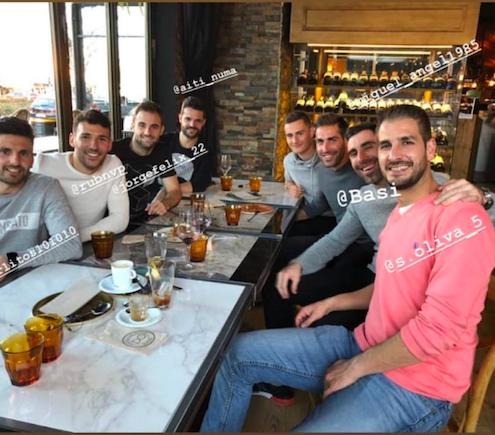 El pulso de la afición (Rayo Majadahonda): ex-jugadores con Frutos, buses  Zaragoza, RFEF veta a CUM pero FSF no, ni césped ni carroza (Reyes)