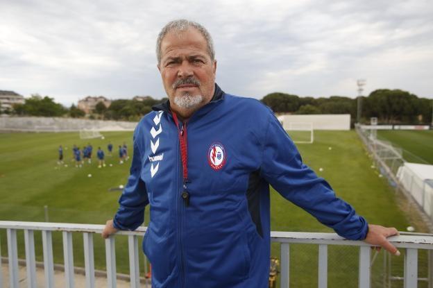 Iriondo (Rayo Majadahonda) echa la culpa al árbitro y asegura que los 2 goles del Zaragoza fueron de suerte