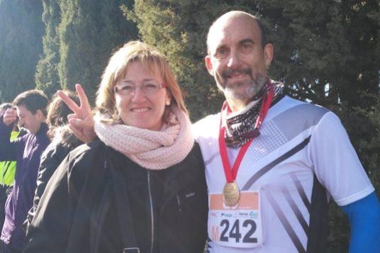 El corredor veteranode Majadahonda Manuel Sanz Moriñigose corona campeón de Madrid en 10 km marcha