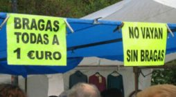 """Prohíben """"publicidad sexista"""" en el Mercadillo de Majadahonda: """"No vayan sin bragas, todas a 1€"""""""