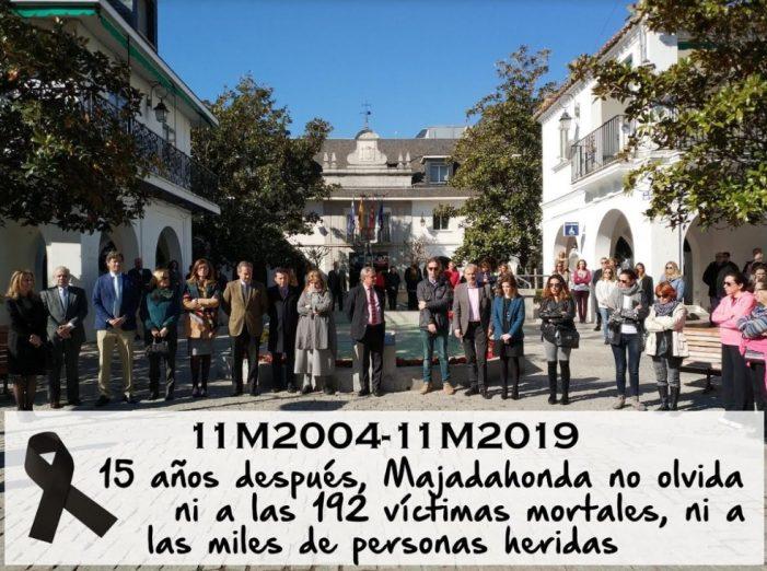 Los concejales de Majadahonda recuerdan a las víctimas del 11-M con un minuto de silencio