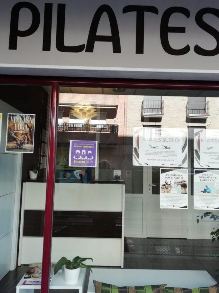 """Las feministas de Majadahonda preparan """"piquetes"""": solo 10 comercios se suman a la huelga"""