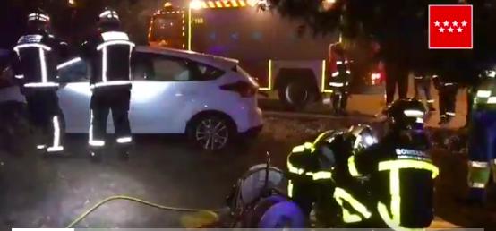 Un conductor de 45 años que salía de la M-50 hacia Majadahonda se estrella contra un árbol y pierde la vida