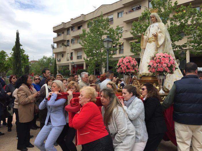 """La """"Quema del Judas"""" y la """"Procesión del Encuentro"""" ponen fin sin lluvia a la Semana Santa de Majadahonda 2019"""