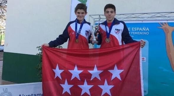 """Protagonistas Deporte Majadahonda: Ander y Pablo (Waterpolo) campeones de España en Elche y CBM (Baloncesto) en el """"Ciudad de Granada"""""""