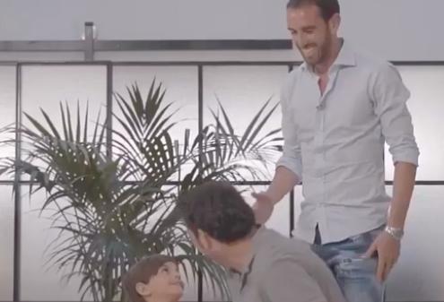 Godín (At. Madrid) incluye al concejal de Majadahonda Angel Alonso (PP) en su vídeo de despedida