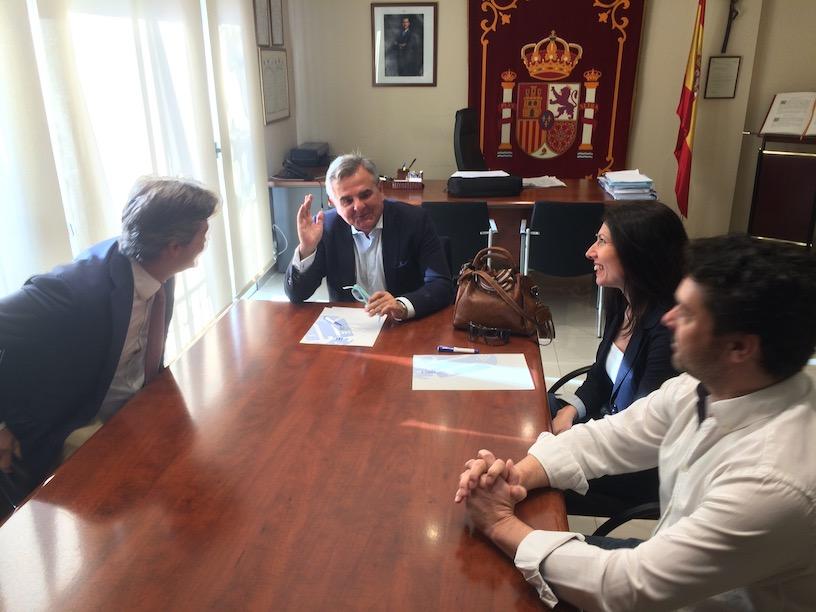 Asociación de Clubes y Deportistas de Majadahonda (ACDM) se entrevista con el alcalde y los candidatos