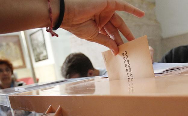 50.000 votantes de Majadahonda eligen 25 concejales, Autonomía y Europa