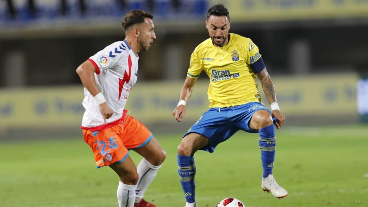 Aficionados de Las Palmas piden a su equipo que se deje perder con el Rayo Majadahonda para que baje el Tenerife