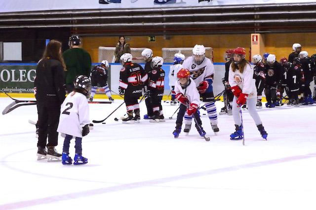 Pista de Hielo Majadahonda facilita patines y equipo gratis para probar el Hockey