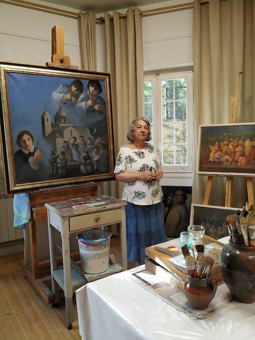 La pintora Antonia Nieto prepara su exposición veraniega en San Lorenzo de El Escorial