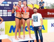 Voley Playa: Belén Carro nuevo bronce en Turquía y 5 medallas de CV Majadahonda en las finales de Madrid