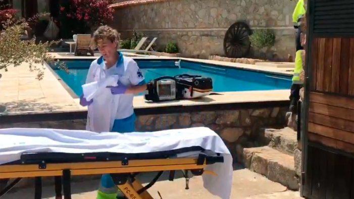 """La mujer """"resucitada"""" tras ahogarse 10 minutos en su piscina de Chapinería, a vida o muerte en Majadahonda"""