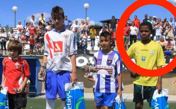Barcelona recuerda a Eduardo Valcárcel y Santi Denia tras el paso del niño futbolista Ansu Fati por Majadahonda