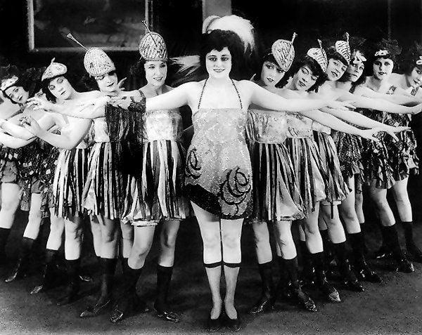 """El """"género alegre"""" en los 5 teatros de Madrid: chistes picantes y desnudos integrales (Memorias de un soldado de Majadahonda, año 1928)"""