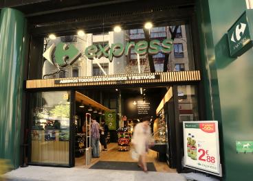 "Carrefour abre un supermercado ""Express"" en su gasolinera de Majadahonda"